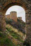 Medeltida slott i Berlanga del Duero, Soria, Castilla y Leon, S arkivfoto