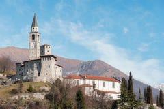 Medeltida slott i Italien royaltyfria foton