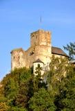 Medeltida slott Zamek Dunajec i Niedzica, Polen fotografering för bildbyråer