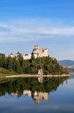 Medeltida slott Zamek Niedzica, Polen fotografering för bildbyråer