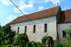 Medeltida stärkt kyrka i Ungra, Transylvania Arkivfoton