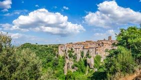 Medeltida stad av Vitorchiano i Lazio, Italien royaltyfri foto