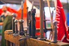 medeltida svärd Arkivbild