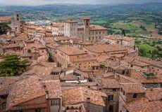 Medeltida Todi i Umbria, Italien royaltyfria bilder