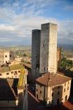 medeltida torn kopplar samman Arkivbild