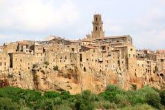 Medeltida town av Pitigliano, italienska Tuscany Fotografering för Bildbyråer