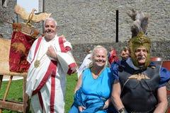 Medeltida utställning med roman dräkter på Castelgrande slott I Royaltyfria Bilder