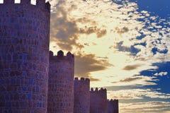 Medeltida väggar i Avila royaltyfria foton