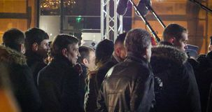 MEDIA και ασφάλεια γύρω από το Emmanuel macron κατά τη διάρκεια της επίσημης επίσκεψης στο Στρασβούργο φιλμ μικρού μήκους