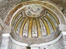 Media bóveda con el mosaico elaborado, Tivoli, Italia imágenes de archivo libres de regalías