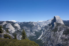 Media bóveda en el valle de Yosemite Imagen de archivo