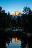 Media bóveda en la puesta del sol Imagen de archivo