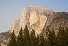 Media bóveda en Yosemite Fotos de archivo libres de regalías
