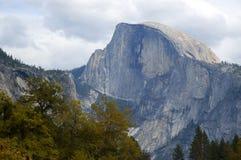 Media bóveda, parque nacional de Yosemite Imágenes de archivo libres de regalías