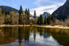 Media bóveda, parque nacional de Yosemite Imagenes de archivo
