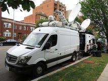 Media Bestelwagens bij de Nationale Kathedraal stock fotografie