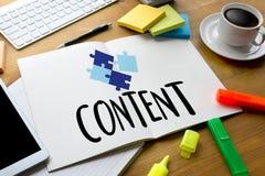 Media Blogging de données SATISFAITES de CONCEPT, journalisme N quotidien global photos libres de droits
