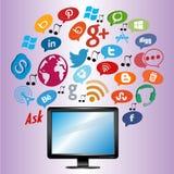 Media ed icone di web/bottoni sociali con il computer Fotografia Stock