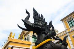 Media estatua del elefante del león Foto de archivo libre de regalías