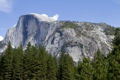Media montaña de la bóveda, parque nacional de Yosemite Imagenes de archivo