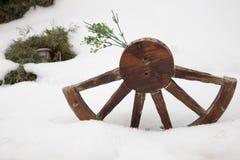 Media rueda de madera Imagenes de archivo