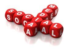 Media sociais escritos em blocos vermelhos Fotos de Stock