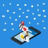 Media social lançant le concept sur le marché 3d isométrique Smartphone 3d noir Les personnes isométriques s'asseyent sur la zone illustration de vecteur