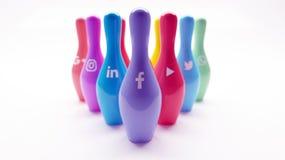 Media social lançant sur le marché et roulement de réseaux illustration de vecteur