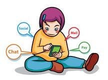 Media sociali del gioco della ragazza sul cellulare Fotografie Stock Libere da Diritti
