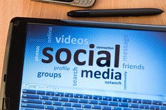 Media sociali sullo schermo Fotografie Stock Libere da Diritti