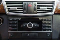 media systeem op het controlebord van de auto royalty-vrije stock foto