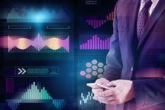 Media, touchscreen en financiënconcept Royalty-vrije Stock Fotografie