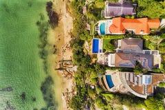 Mediados de Harb top de la costa de las casas de D Sy abajo Fotos de archivo