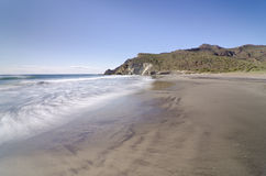 Medialna Luna plaża, Cabo de Gata park narodowy w Almeria Obraz Stock