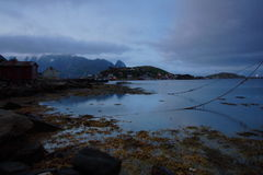 Medianoche en las islas del lofoten fotografía de archivo