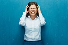 Mediatore della donna di emozioni quando i corsi delle azioni stanno cadendo Immagine Stock Libera da Diritti