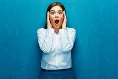 Mediatore della donna di emozioni quando i corsi delle azioni stanno cadendo Fotografia Stock