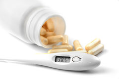 Medicaciones en la tabla Imagen de archivo libre de regalías