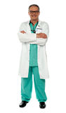 Medical expert standing with arms crossed Royalty Free Stock Photography