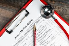 Free Medical History With Stethoscope And Pen Royalty Free Stock Photos - 137810148