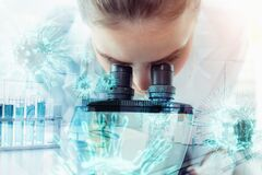 Free Medical Technologist Or Chemical Scientist Working In Laboratory Room, Female Researcher Medicine Microbiology Using Microscope Royalty Free Stock Photo - 177665745