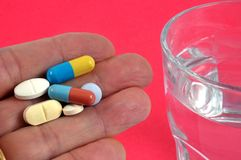 Medicamentações na mão foto de stock royalty free