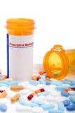Medicamentos de venta con receta sobre blanco imagenes de archivo