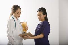 Medici femminili. fotografia stock