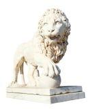 Medici lejon med sfären som isoleras på vit royaltyfri fotografi
