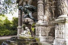 Medici springbrunn & x28; Fontaine Medicis& x29; fotografering för bildbyråer