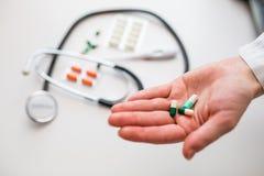 medicin för hygien för omsorgsögonsjukvård Arkivbild