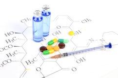Medicin och molekylär formel Royaltyfri Bild