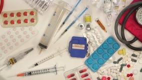 Medicin - panorera över medicinska objekt Arkivbild