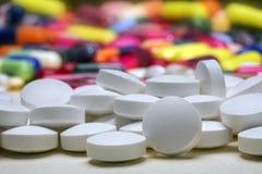 Medicina - compresse delle pillole delle droghe Fotografie Stock Libere da Diritti